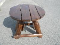 Stůl kulatý nebo čtvercový